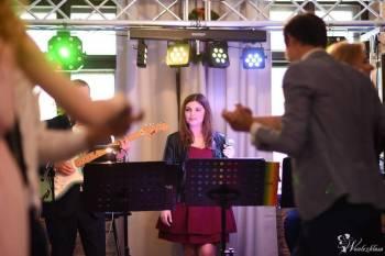Zespół Muzyczny VABANK / dekoracja światłem / napis LOVE, Zespoły weselne Wołów
