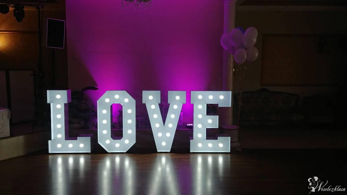 Napis LOVE, Burzenin - zdjęcie 1