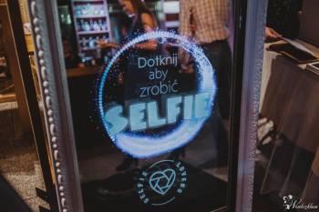 Selfie Lovers - fotolustro do wynajęcia, Fotobudka, videobudka na wesele Skórcz