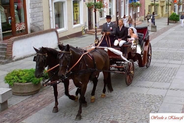Ekskluzywna bryczka ślubna, powóz konny na wesele, Olsztyn - zdjęcie 1