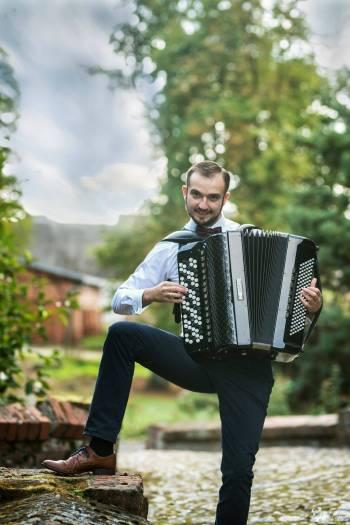 Profesjonalny Akordeonista na błogosławieństwo lub przyjęcie!, Artysta Pruszcz Gdański
