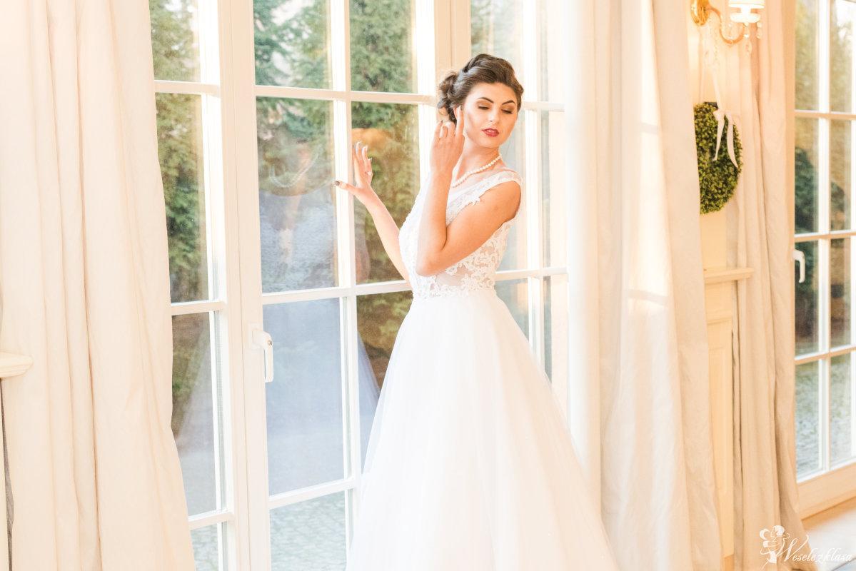 Suknie Ślubne Salonik Królewny  Pracownia Sukien Ślubnych i Wizytowych, Tychy - zdjęcie 1