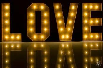 Napis LOVE & Miłość Premiere * * * * *, Napis Love Bolków