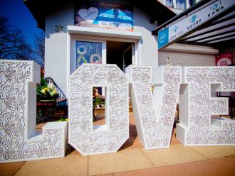 Ażurowy napis LOVE/Dekoracja ślubna/Podświetlana atrakcją weselna, Napis Love Szczecin