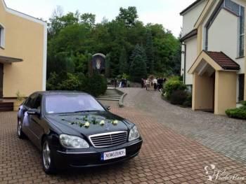 Czarna S-Klasa, elegancki szofer, harmonijne ozdoby, Samochód, auto do ślubu, limuzyna Nowy Staw