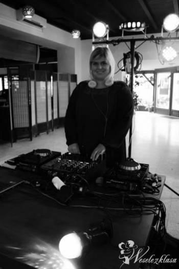 DJ-ane AGNESS - Kobieta DJ Oprawa Muzyczna Imprez, DJ na wesele Kłecko
