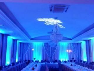 Dekoracja sali światłem ,ciężki dym ,taniec w chmurach DJ&Wodzirej;,  Ostrów Wielkopolski