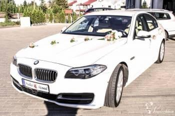 BIAŁE BMW 5 Z JASNYMI SKÓRAMI - IDEALNE DO ŚLUBU !, Samochód, auto do ślubu, limuzyna Czersk
