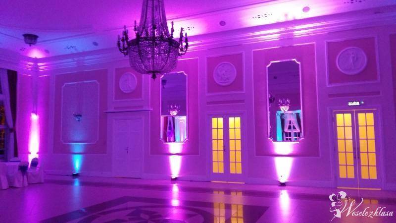 Dekoracja światłem rafmuz. Cięzki dym.dekoracje ślubne.zespół muzyczny, Toruń - zdjęcie 1