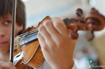 Skrzypce na ślubach i pogrzebach, Oprawa muzyczna ślubu Tarczyn