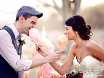 Wata cukrowa z pięknego różowego wózeczka na wesele lub poprawiny, Unikatowe atrakcje Piaski