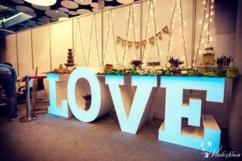 Wyjątkowy stół Love, Candy Bar/słodki stół, fontanny czekolady, Słodki kącik na weselu Lwówek Śląski