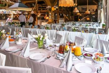 Restauracja Stajnia, Sale weselne Piła