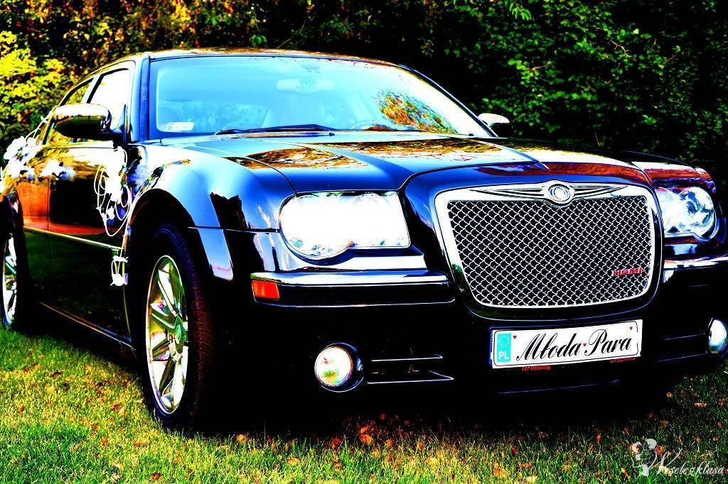 SZCZĘŚLIWA Limuzyna do ślubu Chrysler 300c 5,7 HEMI czarna perła., Łódź - zdjęcie 1
