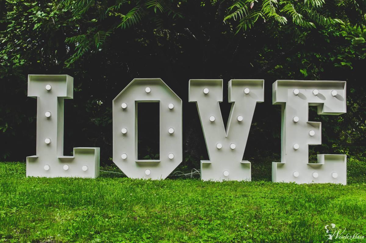 Napis LOVE, Żmigród - zdjęcie 1
