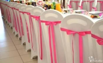 EWA  Pokrowiec na krzesło bankietowe kolor biały , kokardy, Dekoracje ślubne Łaszczów