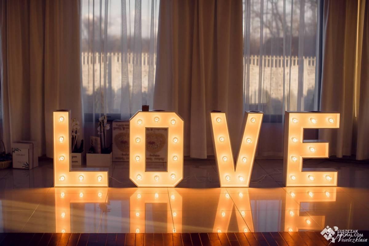 Napis LOVE, Leżajsk - zdjęcie 1