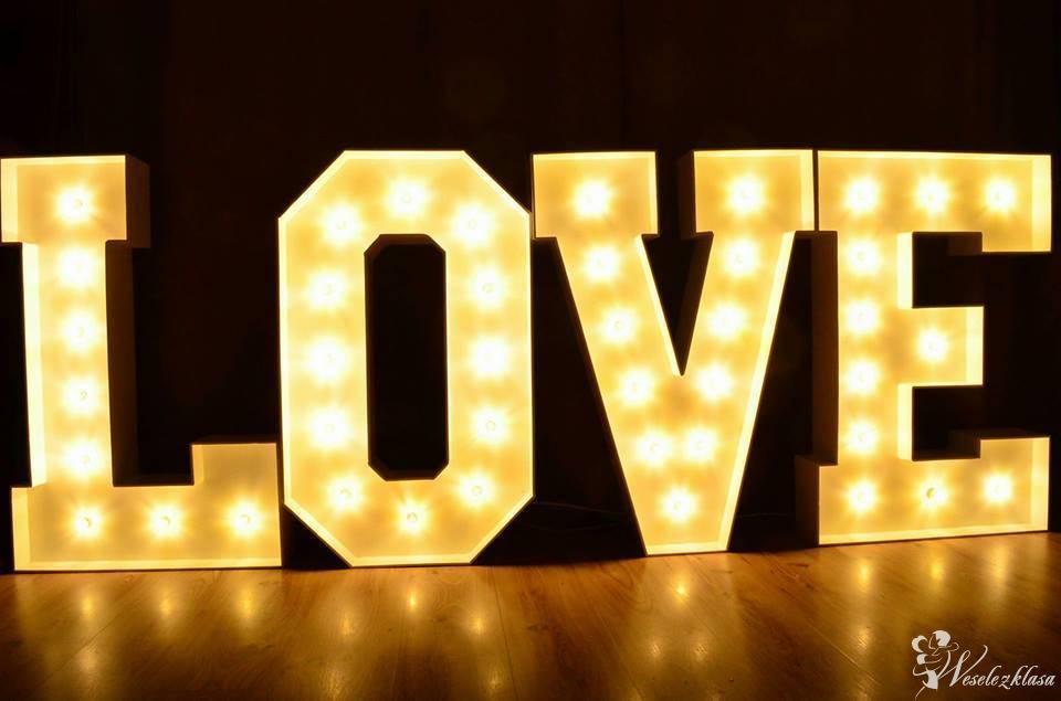 napis LOVE, Nysa - zdjęcie 1
