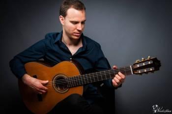 Hiszpańskie latino z  gitarą, Artysta Głuszyca