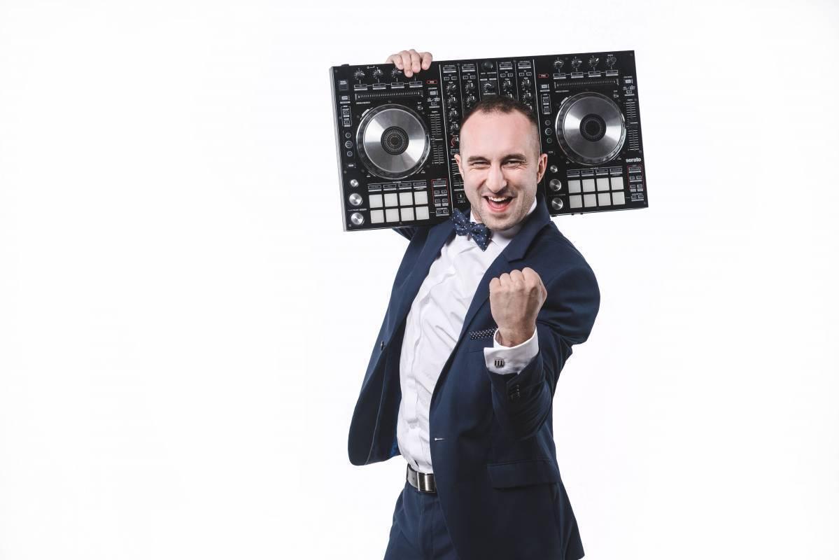 DJ Sway - Dj na każdą okazję. Napis Love, Fotobudka, Ciężki dym., Wrocław - zdjęcie 1
