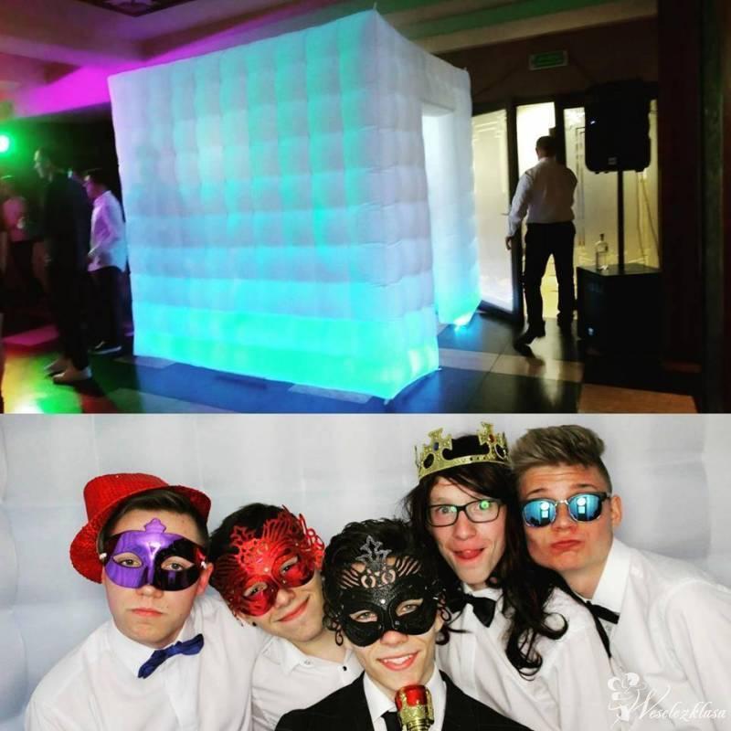 Superbox Fotobudka z namiotem LED + Podświetlany napis LOVE, Mrocza - zdjęcie 1