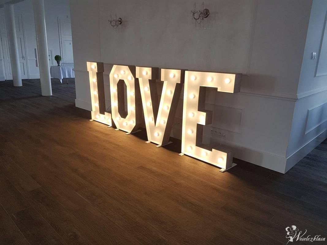 Napis świetlny LOVE, Warszawa - zdjęcie 1