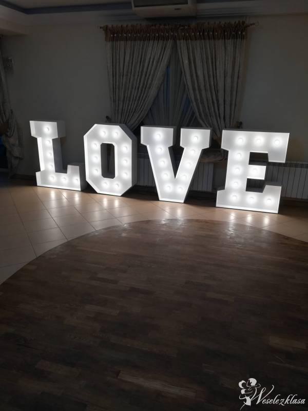 Napis LOVE, Stromiec - zdjęcie 1