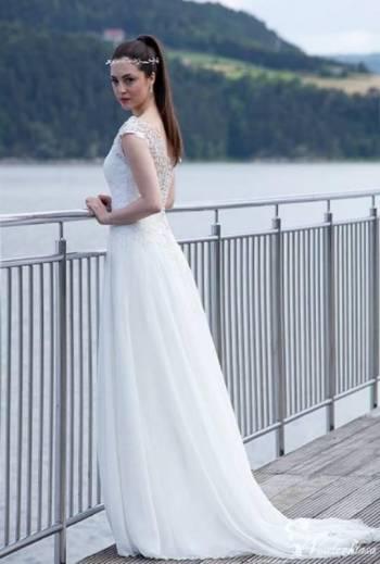MODNA PARA suknie ślubne, Salon sukien ślubnych Końskie