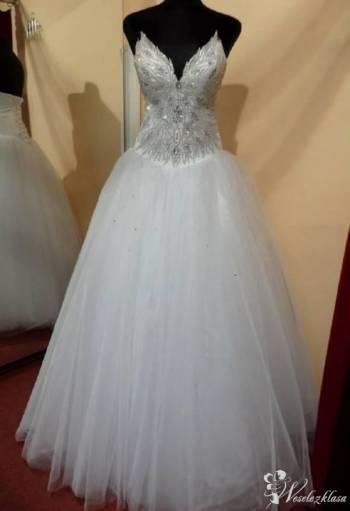 Rossalie- Salon Sukien Ślubnych, Salon sukien ślubnych Końskie
