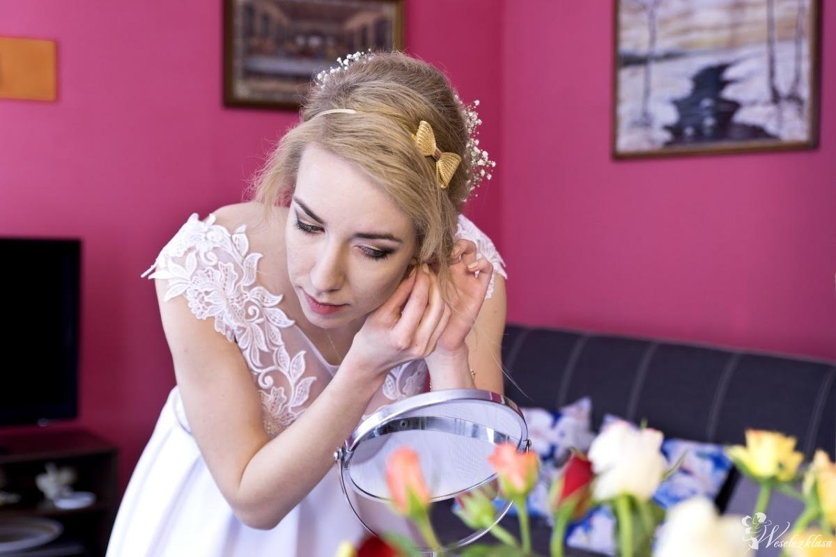 Fryzura i makijaż ślubny wieczorowy dzienny inny wizażystka Angiewiz, Kartuzy - zdjęcie 1