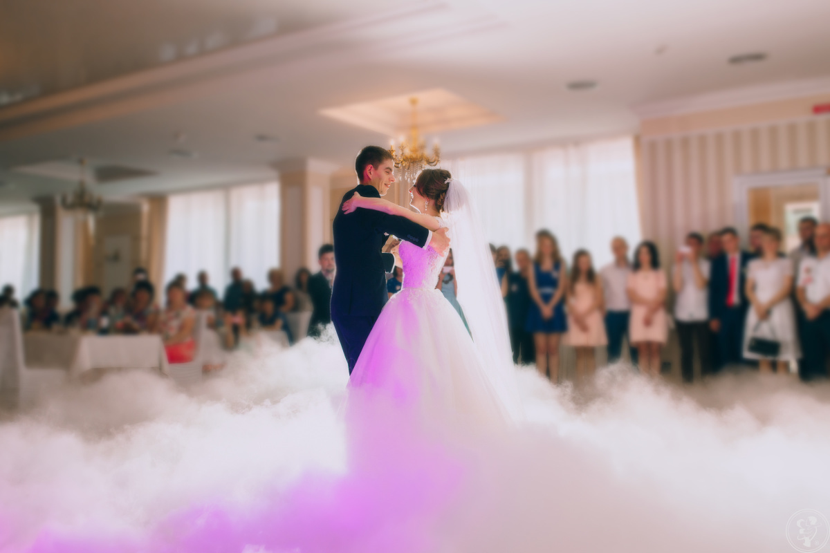 Taniec w chmurach - Ciężki dym, , fire show, bańki, balony, Pszczyna - zdjęcie 1
