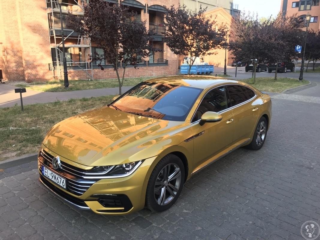 Złote auto do ślubu = wyjątkowe zdjęcia | ARTEON 2019, Łódź - zdjęcie 1