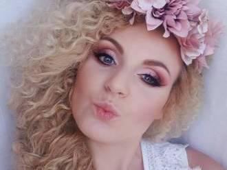 Katarzyna Brożyńska-Szulczyk Make-up artist & stylist hair,  Dąbrówka