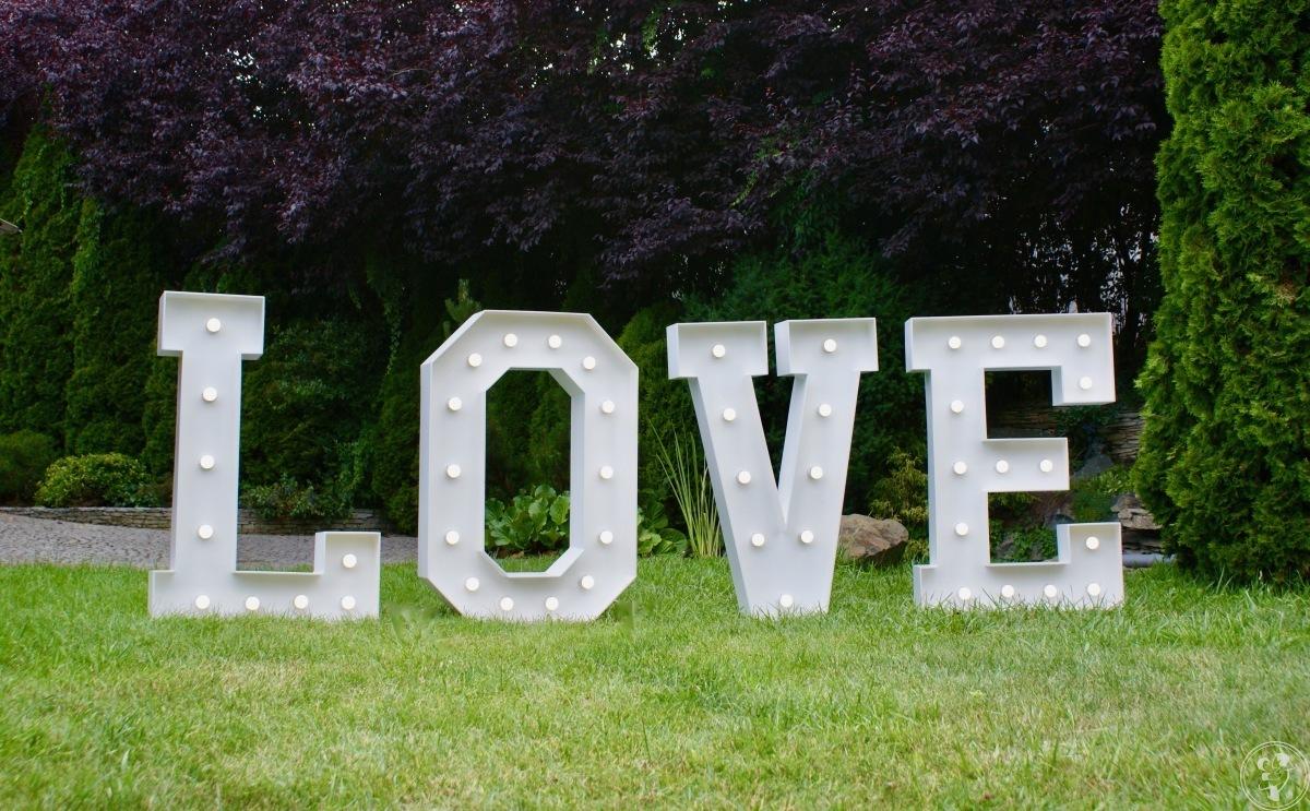 Napis LOVE do wynajęcia, Wrocław - zdjęcie 1