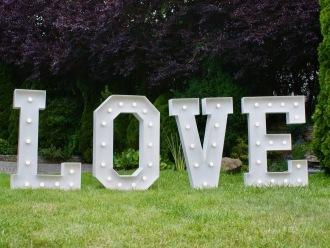 Napis LOVE do wynajęcia,  Wrocław