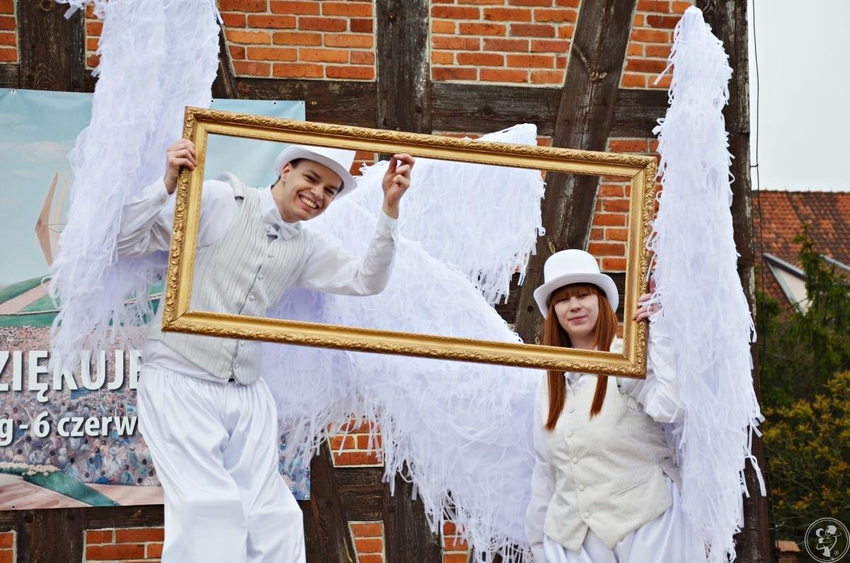 Anioły na szczudłach z ogromnymi skrzydłami, Elbląg - zdjęcie 1