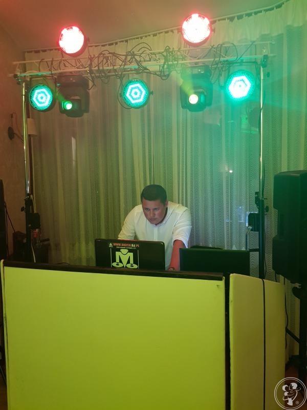 Revel - DJ Akordeonista / ciężki dym / napis LOVE, Warszawa - zdjęcie 1