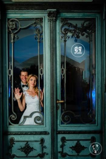 GS STUDIO: fotografia+filmowanie+dekoracja sal balowych światłem., Kamerzysta na wesele Działoszyn