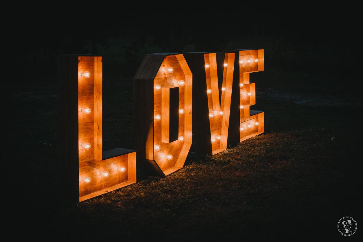 Drewniany napis LOVE, Supraśl - zdjęcie 1