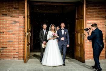 MEDIALUK nowożeńcy : filmowanie ślubów z indywidualnym podejściem, Kamerzysta na wesele Kostrzyn