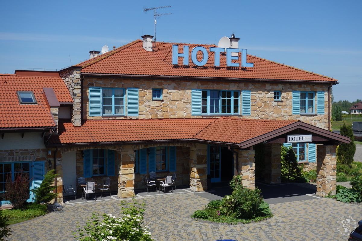 Hotel Cyprus ***, Książenice - zdjęcie 1