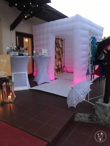 Wynajem fotobudki wraz z namiotem Led, Fotobudka, videobudka na wesele Żmigród