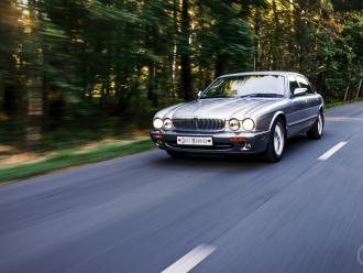 Klasyczny elegancki ponadczasowy Jaguar,  Tomaszów Lubelski