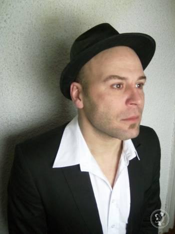 DJ ZIBI - Wieloletni Prezenter Muzyczny / Rezydent klubu Spatif, DJ na wesele Sopot