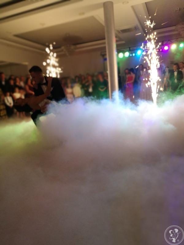 Ciężki dym, Fontanna iskier, Napisy MIŁOŚĆ, Radom - zdjęcie 1
