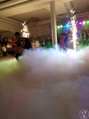 Ciężki dym, Fontanna iskier, Napisy MIŁOŚĆ, Ciężki dym Drobin