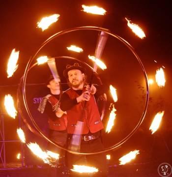 Widowiskowy pokaz ognia z pirotechnicznym finałem! Wolne terminy 2020!, Teatr ognia Toruń