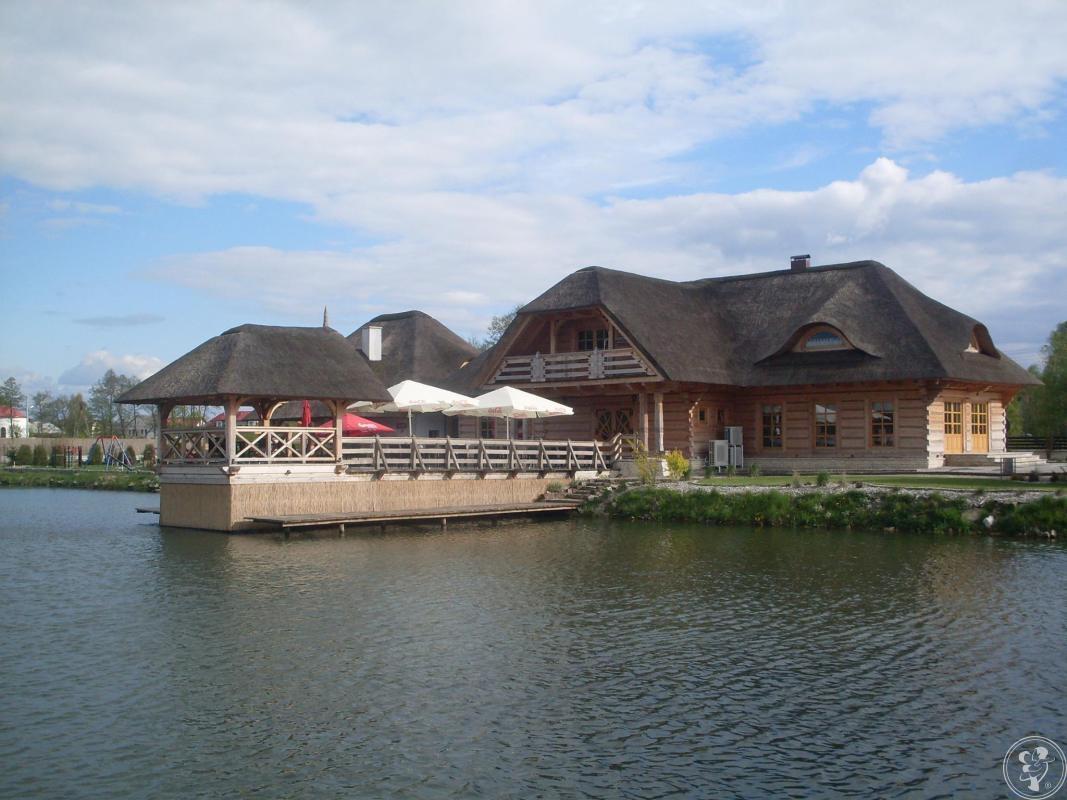 Szlachecki Dwór Kroczyce - drewniana karczma z jeziorem w centrum Jury, Kroczyce - zdjęcie 1