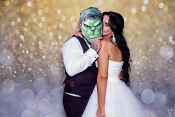 W Krzywym Zwierciadle - SelfieMirror FotoBudka FotoLustro, Fotobudka, videobudka na wesele Serock