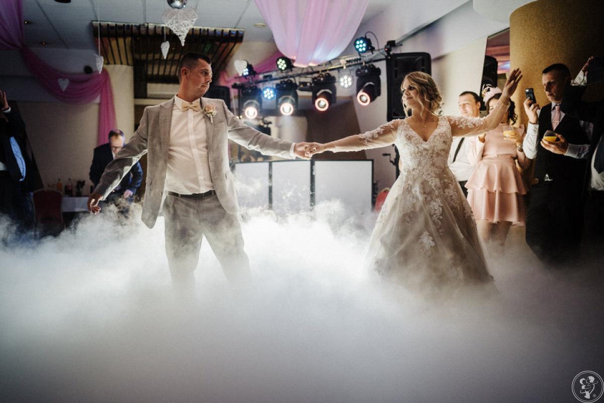 Zjawiskowy taniec w chmurach,  ciężki dym. Profesjonalna maszyna CO2!, Szczecinek - zdjęcie 1